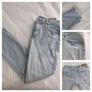 AEROPOSTALE High Waisted Ripped jeans